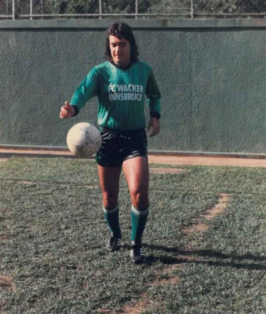 Карлос Кайзер тренируется