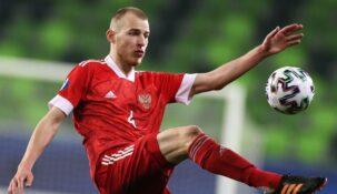 Стал известен игрок, который заменит Мостового в сборной России