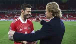 Карпин считает игрока «Локомотива» Смолова лучшим нападающим России